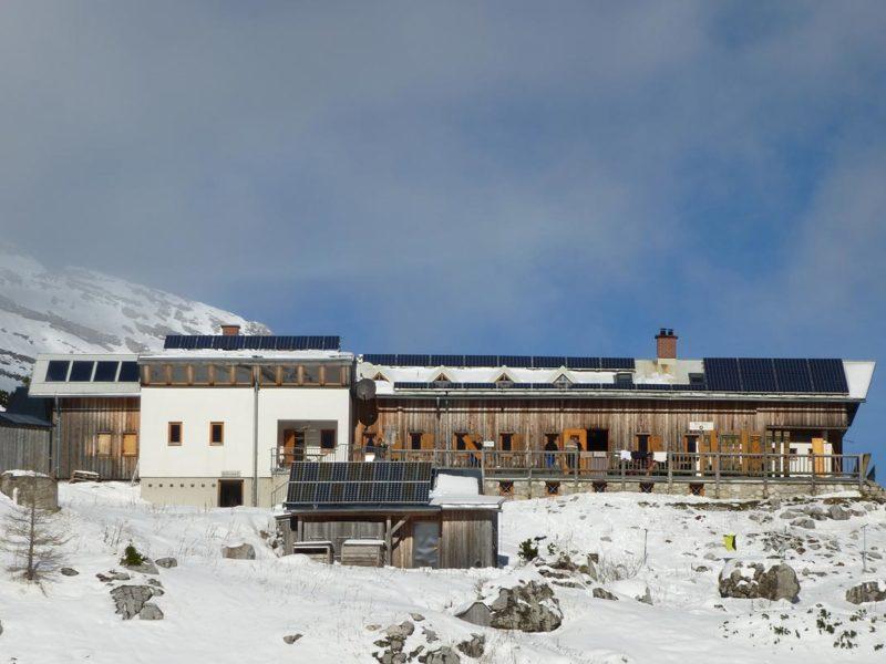 Heisshuette-Sonnenstrom-Energieeffiziente-Landwirtschaft